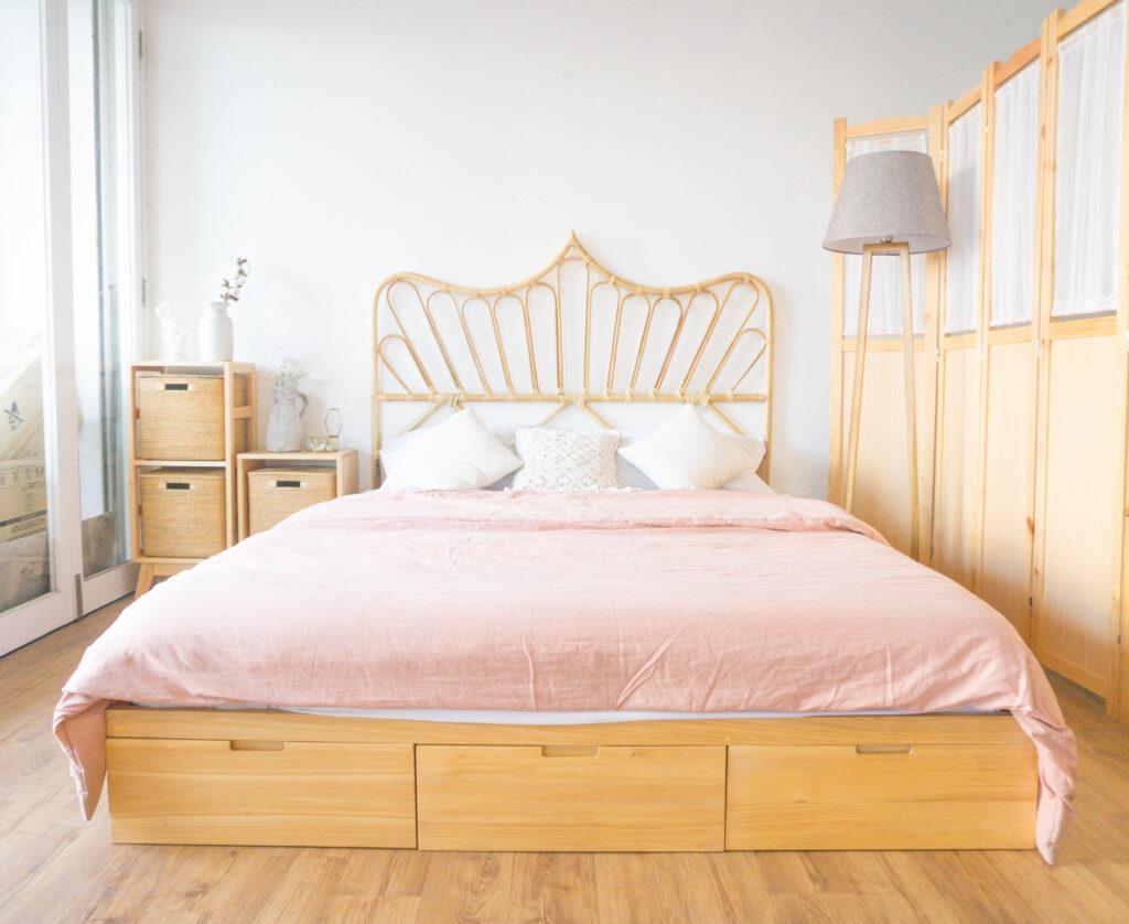 Ukuran Tempat Tidur Queen size yang berukuran 160 cm x 200 cm