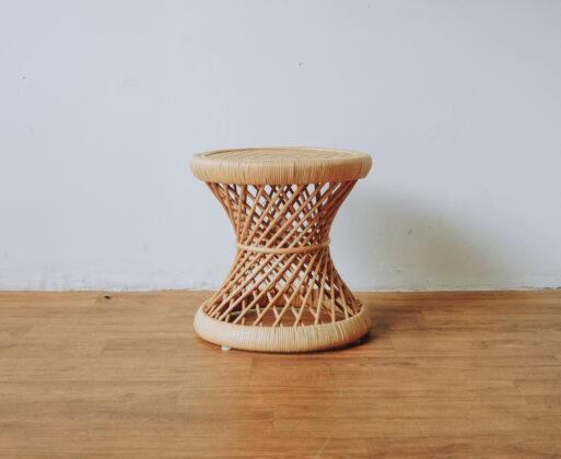 2. Furniture Meja Akar Mini Table