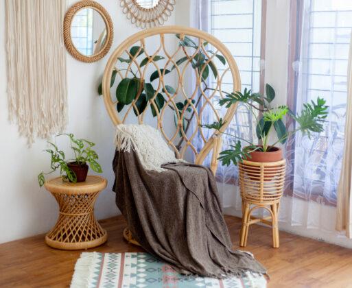4. Furniture Kursi Akar Peacock Chair