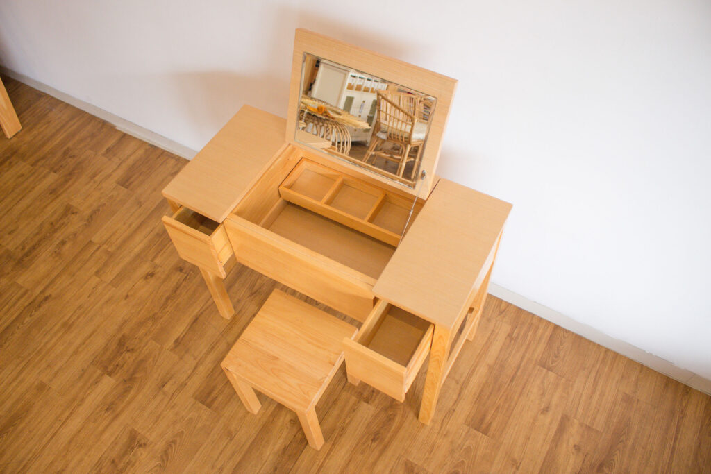 Penyimpanan dalam Meja Rias Furniture, Lifestyle
